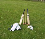 cricket_bats_stumps
