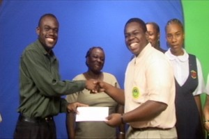 Rol'J receives cheque