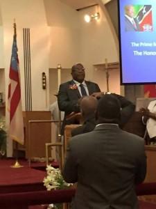 Dr Harris addresses congregation